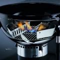 Гриль угольный с электронным таймером, решеткой GBS из чугуна и газовым баллоном для системы розжига Weber Performer Deluxe GBS